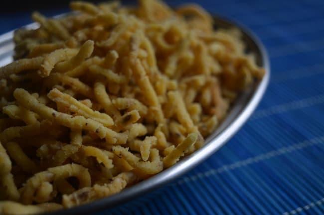 how to make cornflour muruku